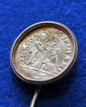 Lot 288: Stickpin gold ancient gold coin