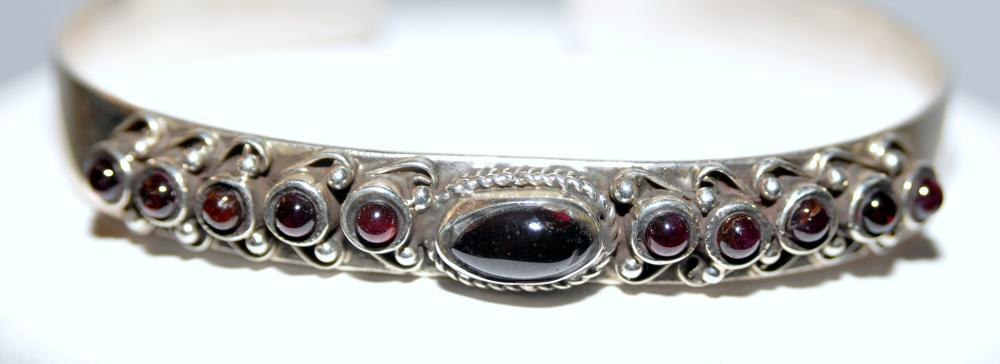 Cuff bracelet garnet sterling