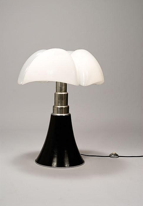 Gae aulenti lampada da tavolo mod 620 pipistrello - Lampada da tavolo pipistrello ...