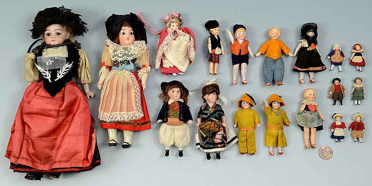 Collection 18 dolls, 1-1/2