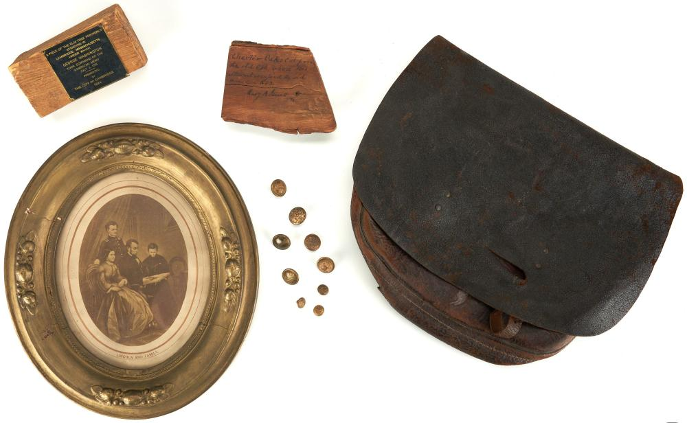 Group of 13 Civil War & Revolutionary War Items, incl. Buttons
