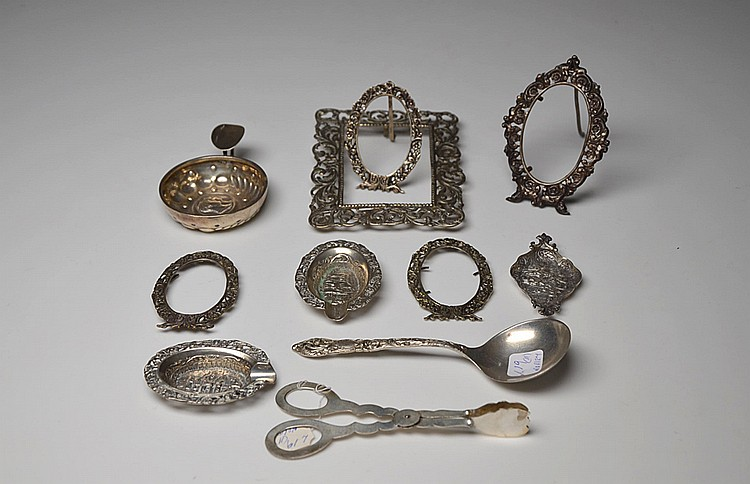 A SET OF ELEVEN SILVER PIECES