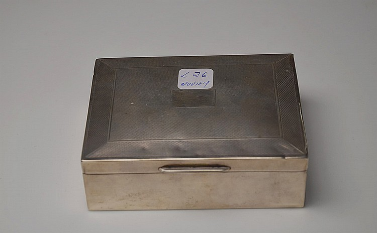 AN ENGLISH SILVER CIGAR CASE, BIRMINGHAM CIRCA 1954