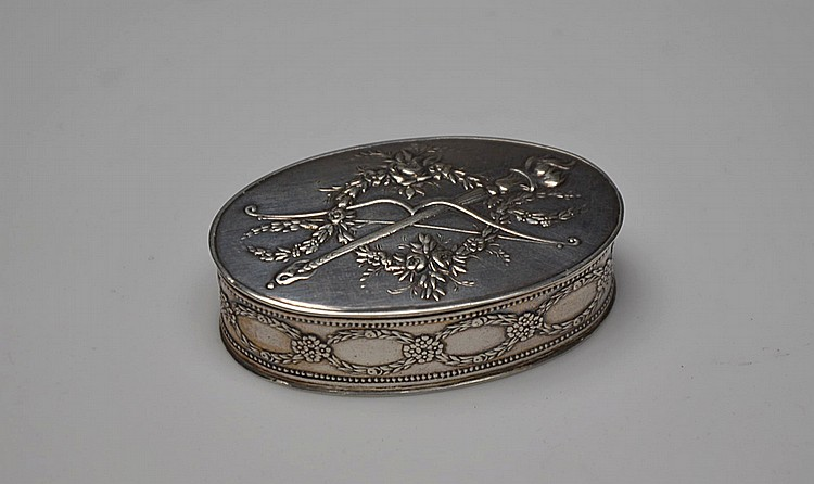 A FRENCH SILVER PILLBOX