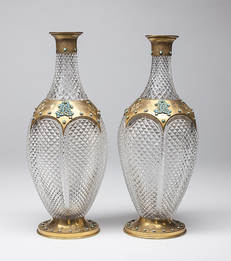 A PAIR OF ENGLISH DECANTERS