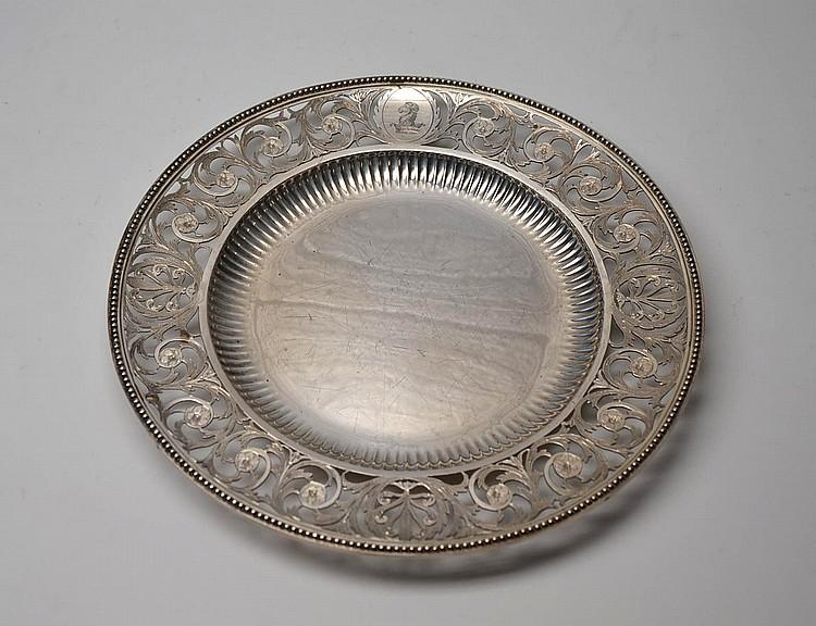 Dieciséis platos en plata Londres año 1890,