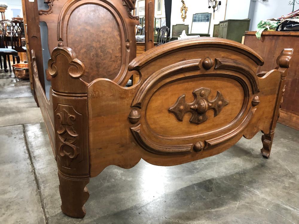 Victorian Full Size Walnut Bed