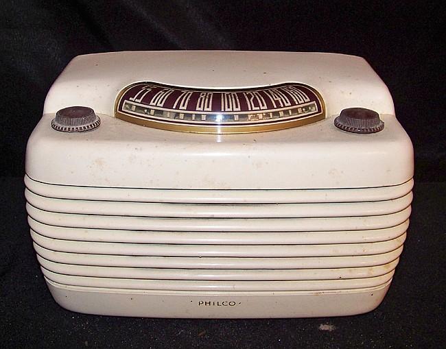 1948 Philco Model 48-460 Radio
