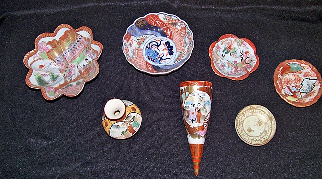 7 Pieces of Assorted Oriental Porcelain