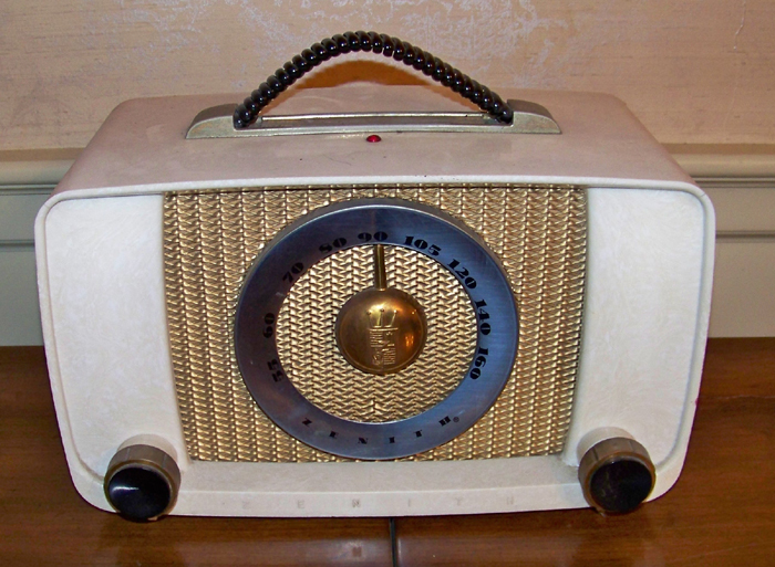 Vintage Zenith Radio in Plastic Case