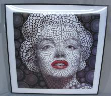UNUSUAL LENTICULAR 3D PORTRAIT OF MARILY MONROE