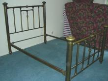 CLASSIC ANTIQUE BRASS BED