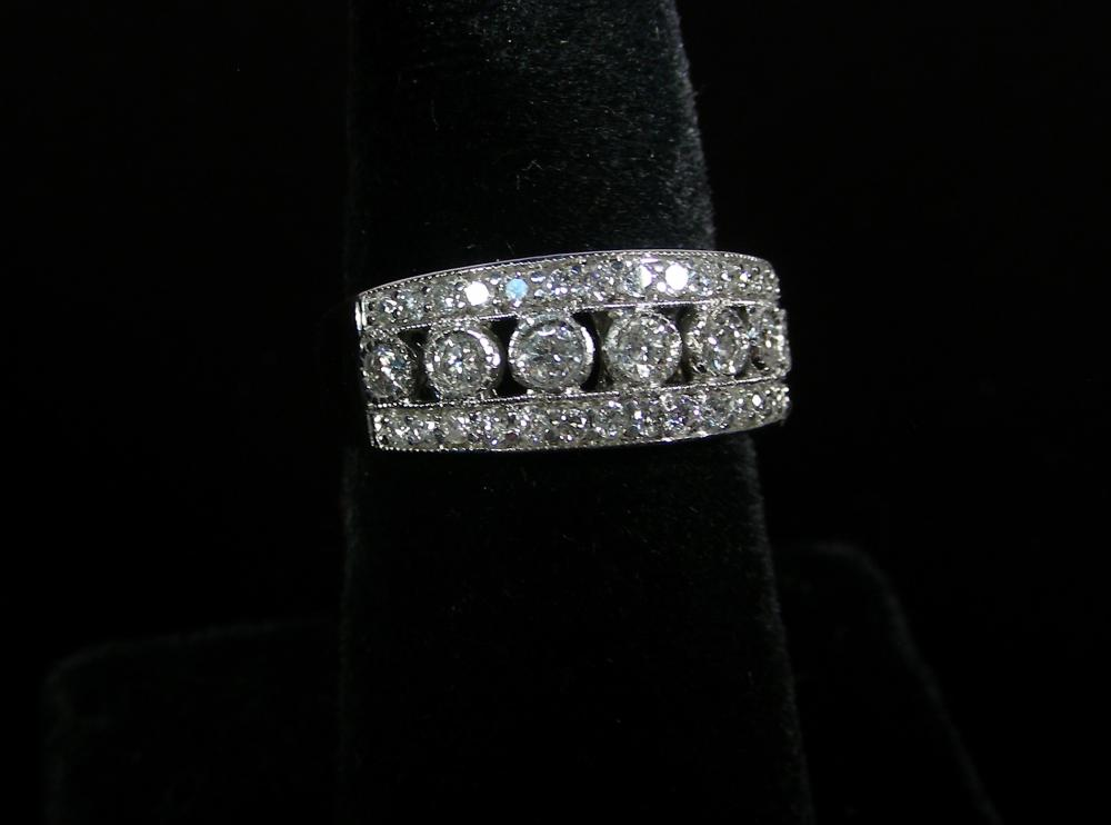 VINTAGE 14K WHITE GOLD & DIAMOND RING