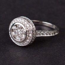 Vintage Ladies Diamond Ring in White 14K Gold