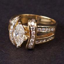 Ladies Ring in Yellow 14K Gold with Diamonds