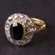 Vintage Ladies Ring in Yellow 18K Gold with Diamonds and Sapphire