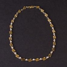 Ladies Necklace in White 18K Gold with Diamonds
