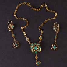 Vintage Necklace and Earrings Set in Yellow 14K Gold with Emerald with Synthetic Diamond