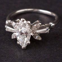 Ladies Ring in Platinum with Diamonds