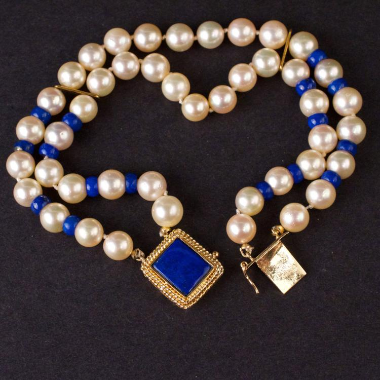 Ladies Pearl Bracelet with Box Clasp in 18K Gold and Lapis Lazuli beads