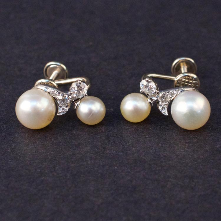 Ladies Earrings in White 14K Gold with Pearls and Diamonds