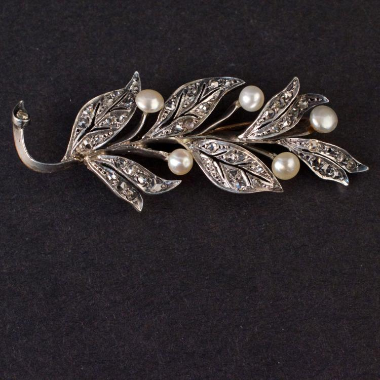 Ladies Brooch in Rose 18K Gold and Silver with Diamonds