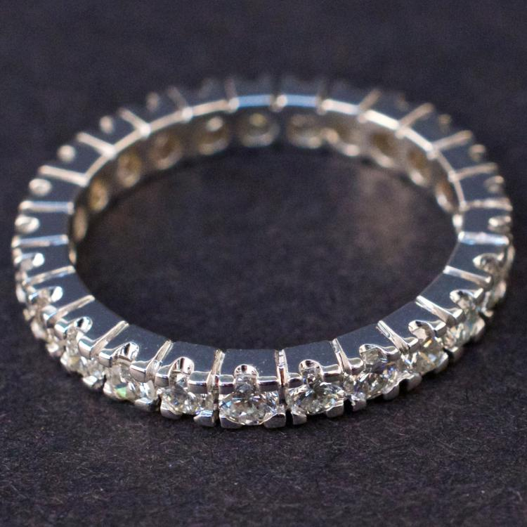 Ladies Eternity Ring in White 14K Gold with Diamonds