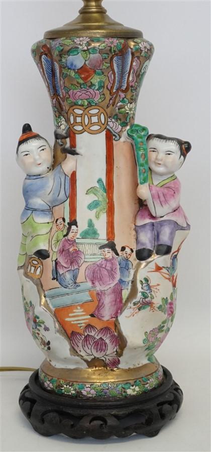 CHINESE FAMILLE PORCELAIN CHILDREN LAMP