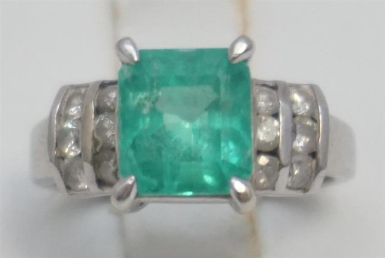 EMERALD & DIAMOND RING- 14KT WHITE GOLD