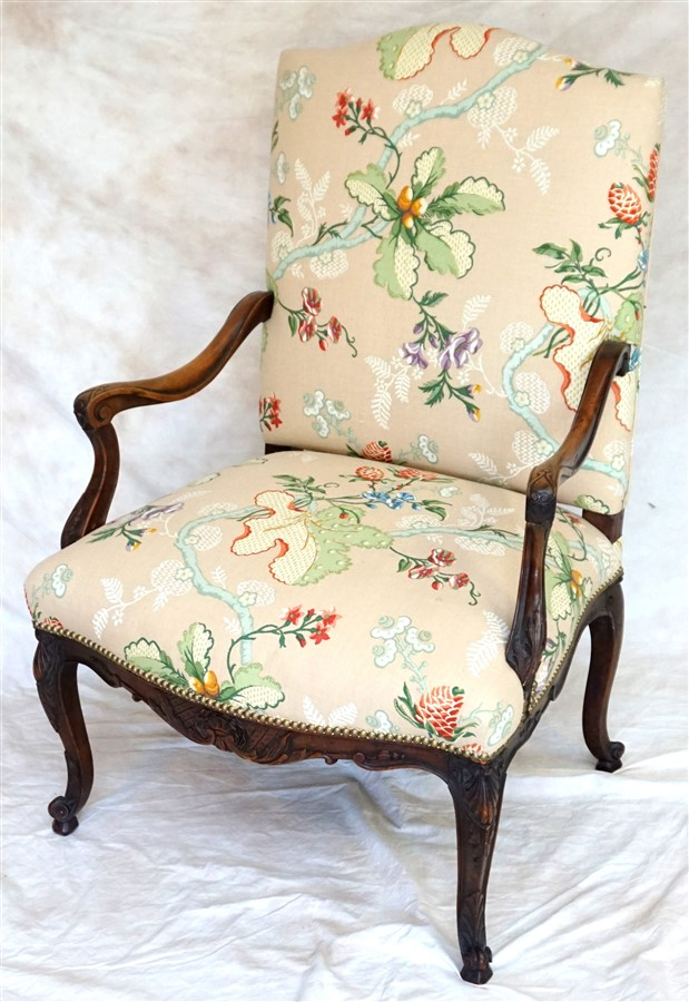 FRENCH WALNUT CARVED ARM CHAIR