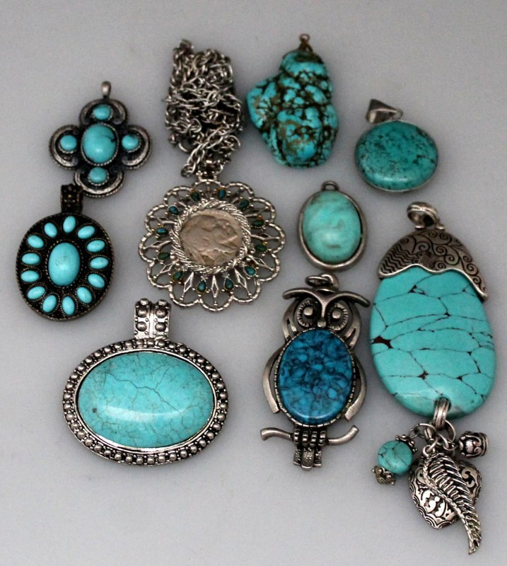 9 estate turquoise costume jewelry pendants for Turquoise colored fashion jewelry
