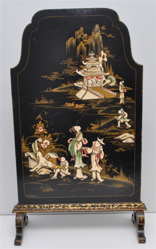 ENGLISH CHINOISERIE DECORATED FIRE SCREEN