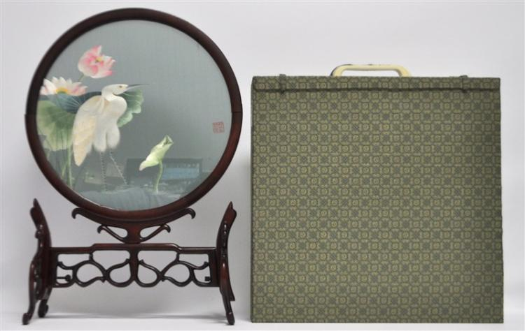 SUZHOU EMBROIDERY DOUBLE SIDED EGRET W STAND