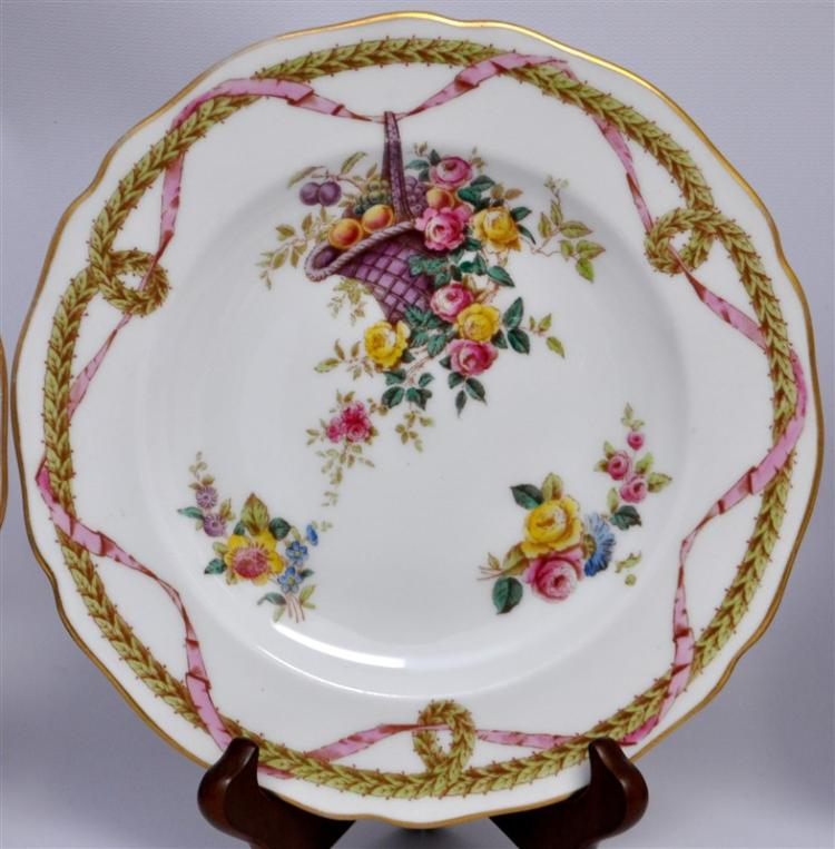 EIGHT 19th C. SPODE COPELANDS LUNCHEON PLATES
