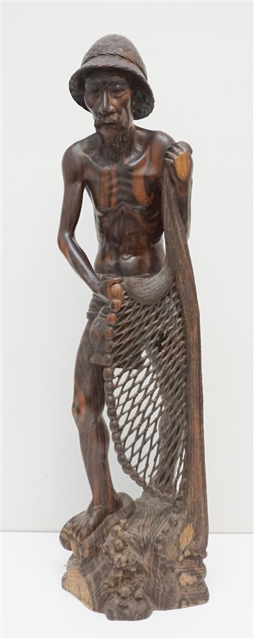 LARGE SONO WOOD CARVED FISHERMAN