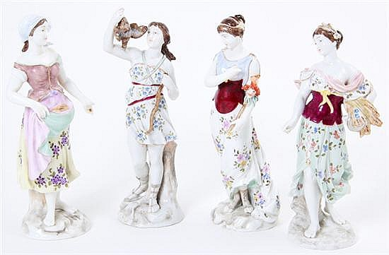 German porcelain figures of women (4pcs)
