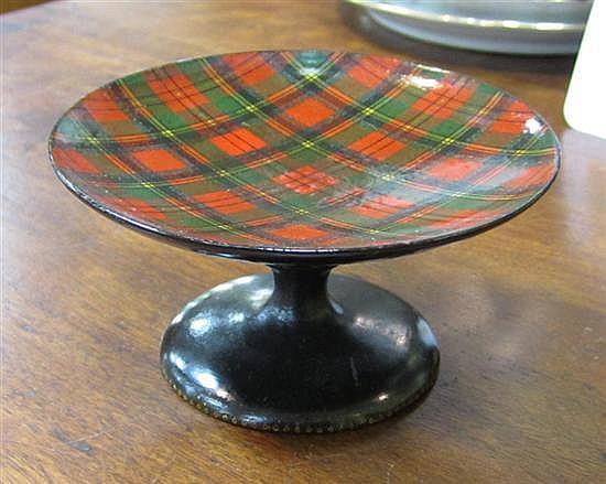 Scottish tartanware objects (31pcs)