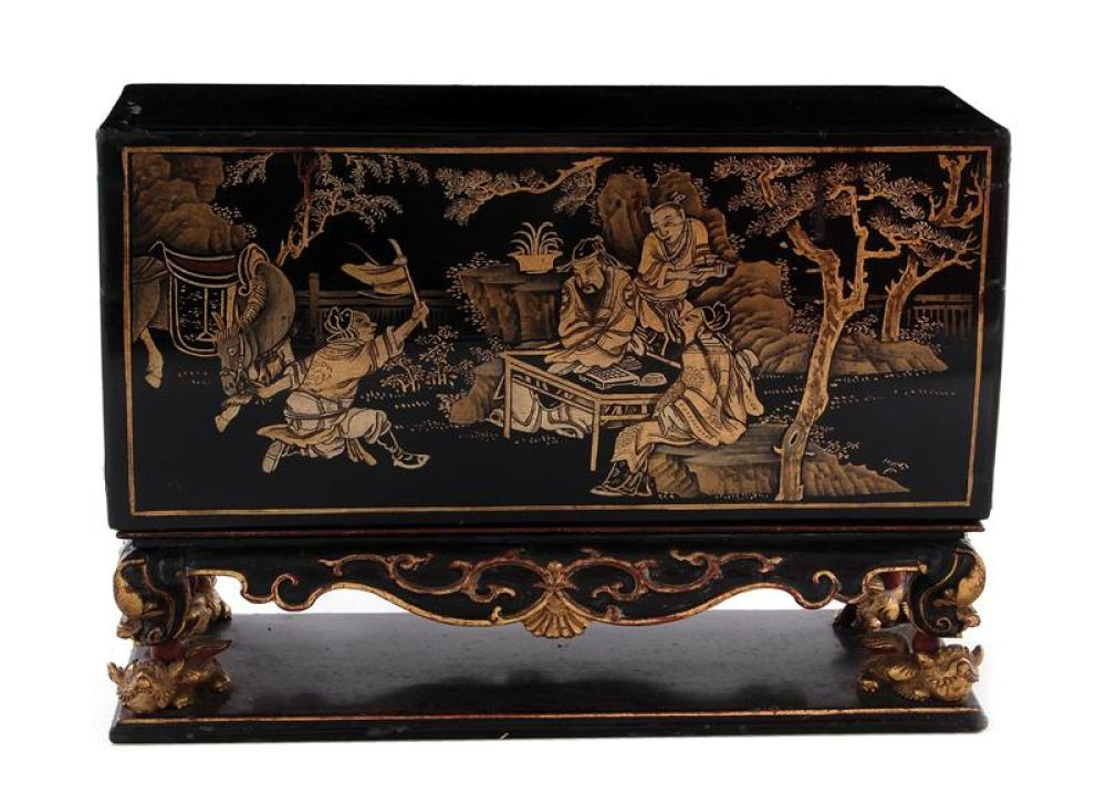 Chinese Export gilt black-lacquer miniature altar
