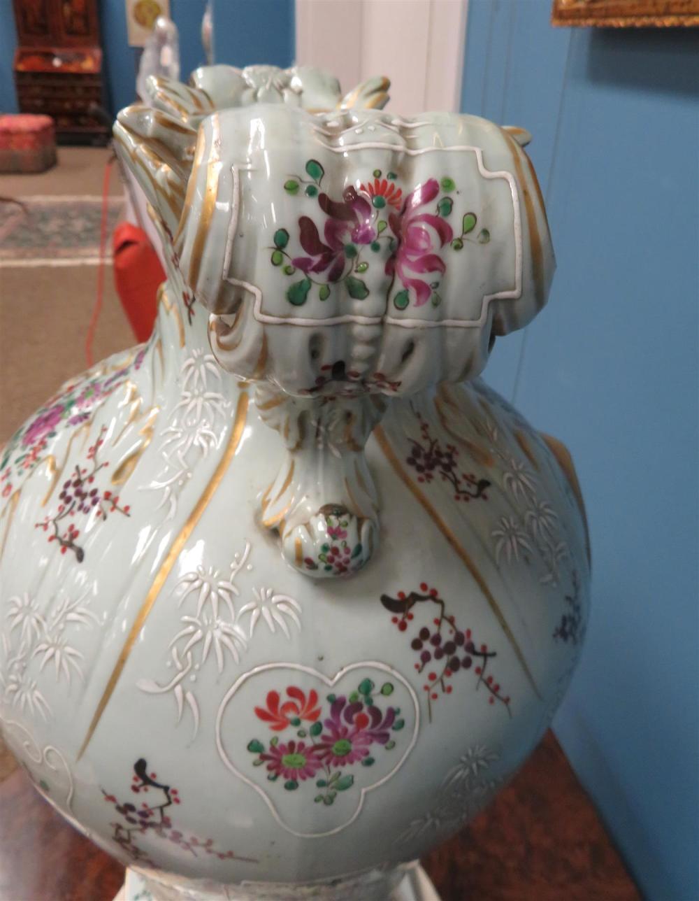 Impressive pair Samson porcelain vases (2pcs)