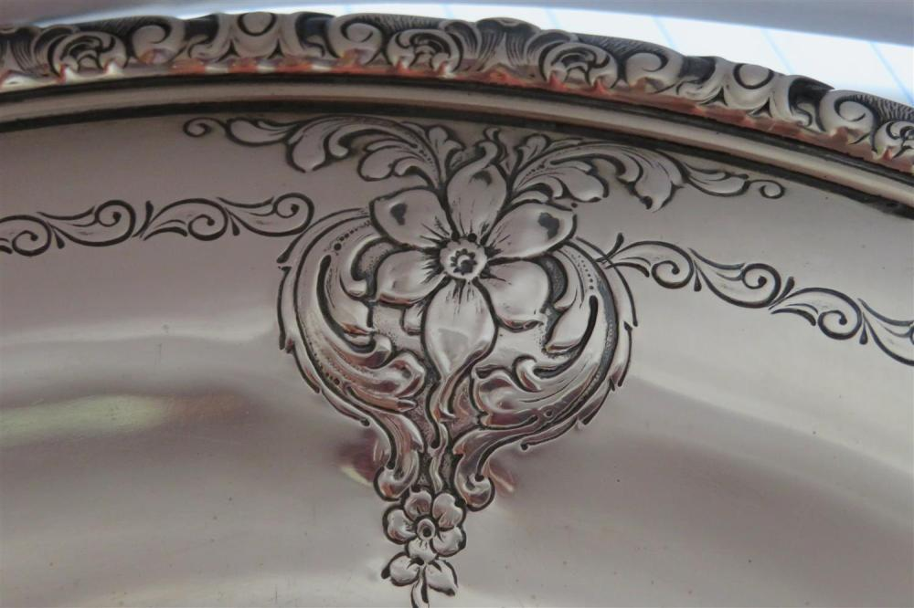 American silver trays and charger (4pcs)
