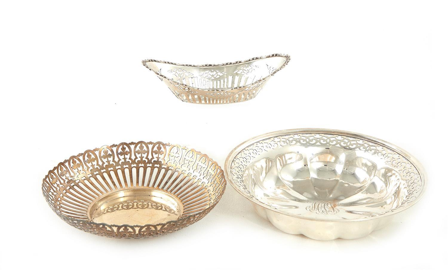 American reticulated silver dish and bowls (3pcs)