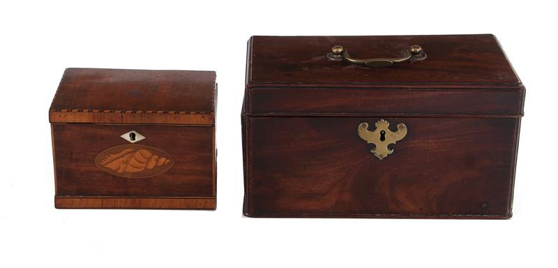 English mahogany tea caddies (2pcs)