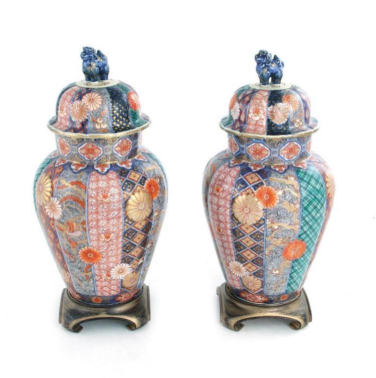 Pair Japanese Imari porcelain covered urns, signed (2pcs)
