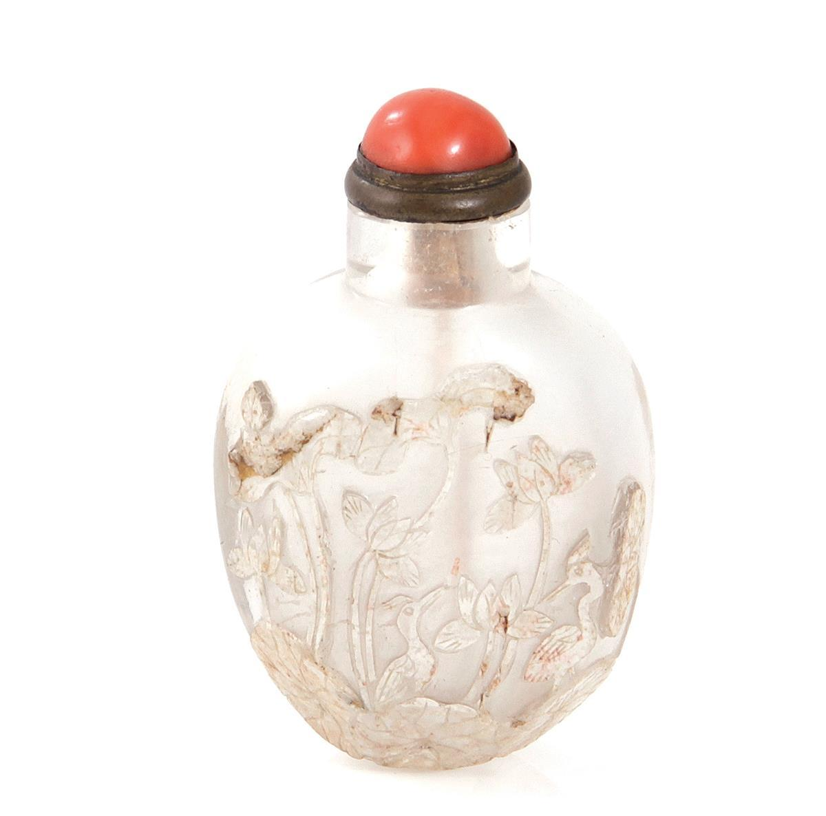 Chinese carved rock crystal snuff bottle