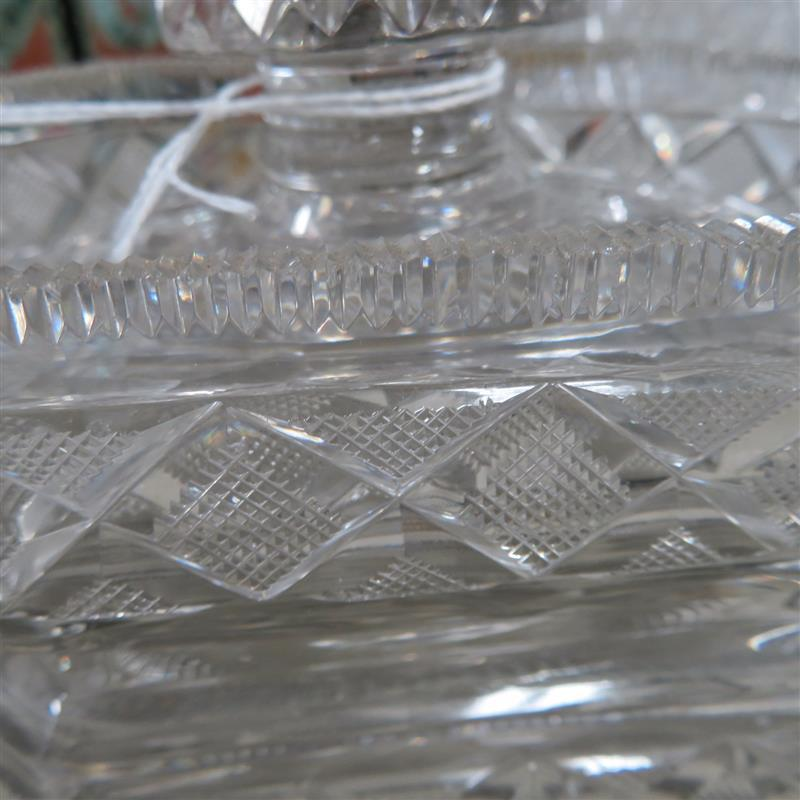 Pair Georgian Anglo Irish cut-crystal covered dishes (2pcs)