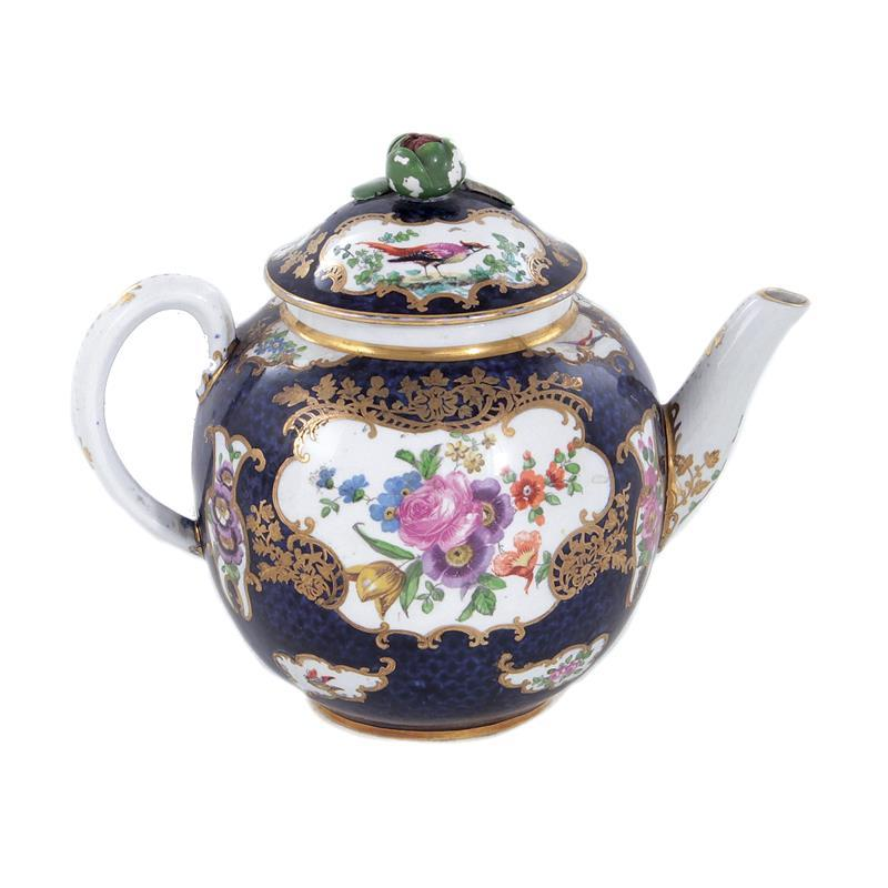 Early Worcester Blue Fish Scale porcelain teapot and cover
