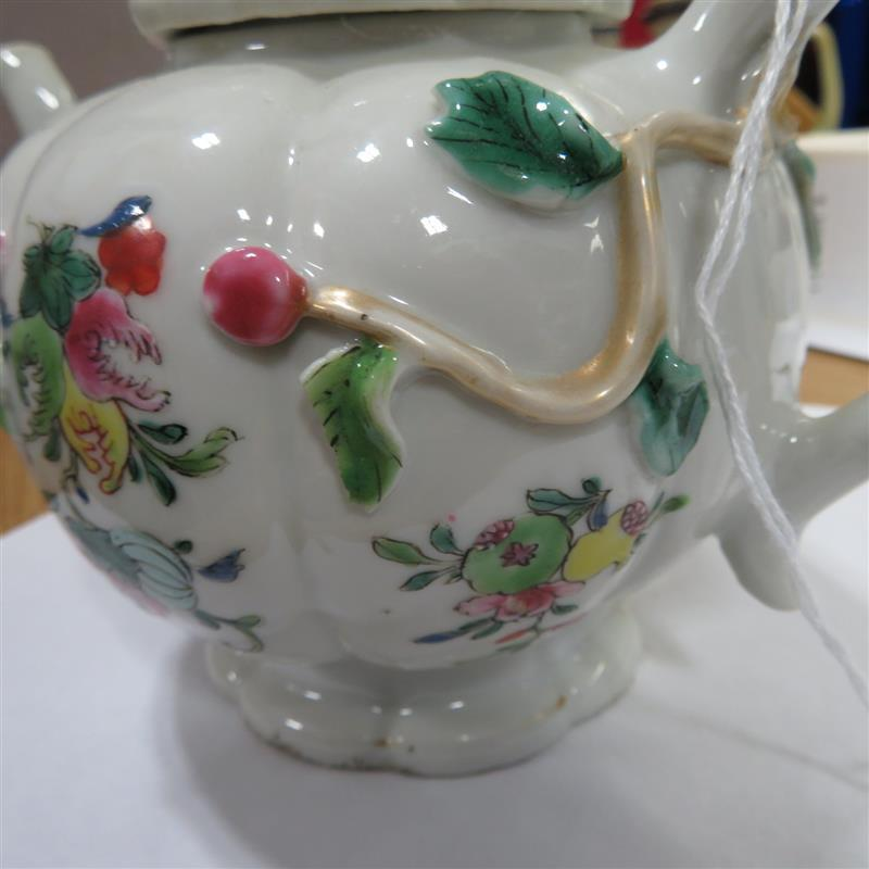 Chinese Export famille rose porcelain teapot
