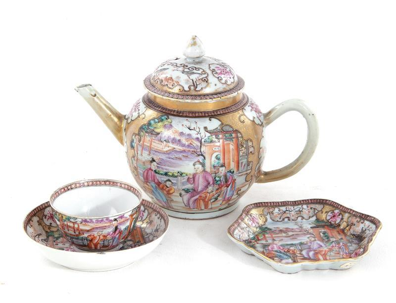 Chinese Export Palace Ware porcelain teapot on stand, teabowl and saucer (4pcs)
