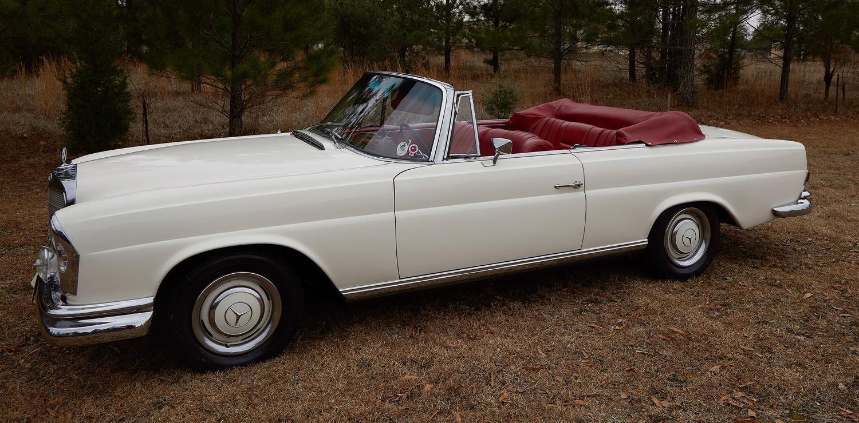 Vintage 1967 Mercedes-Benz 250SE Convertible