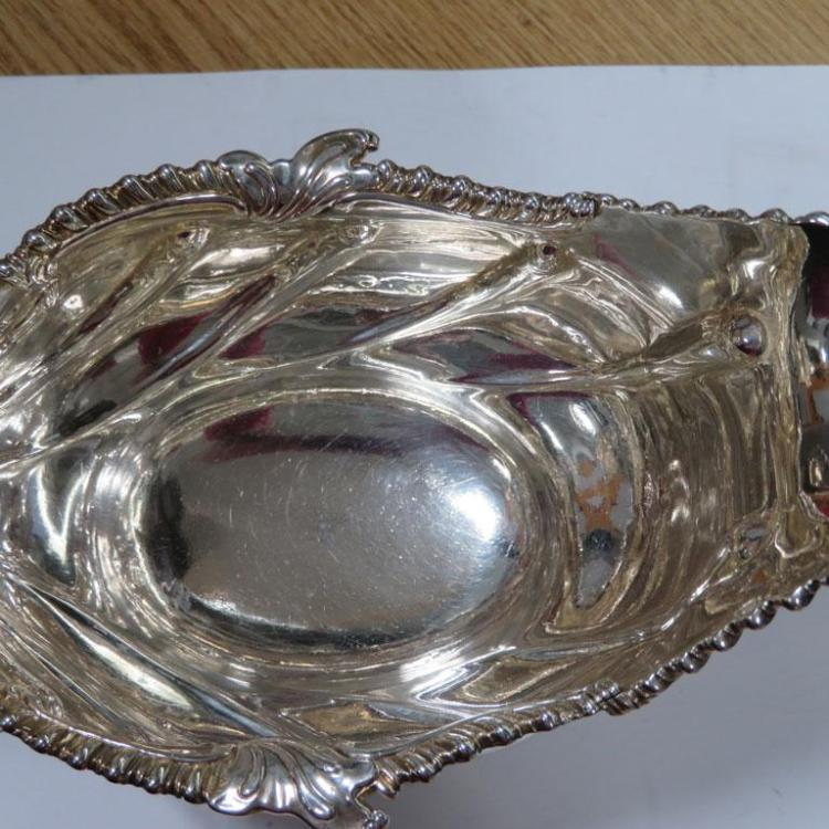 Pair George III silver sauceboats, John Henry Vere & William Lutwyche (2pcs)